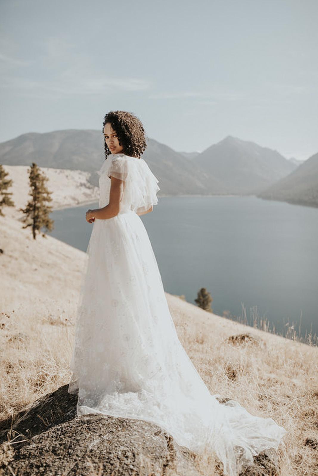 elizabeth-dye-wedding-dress
