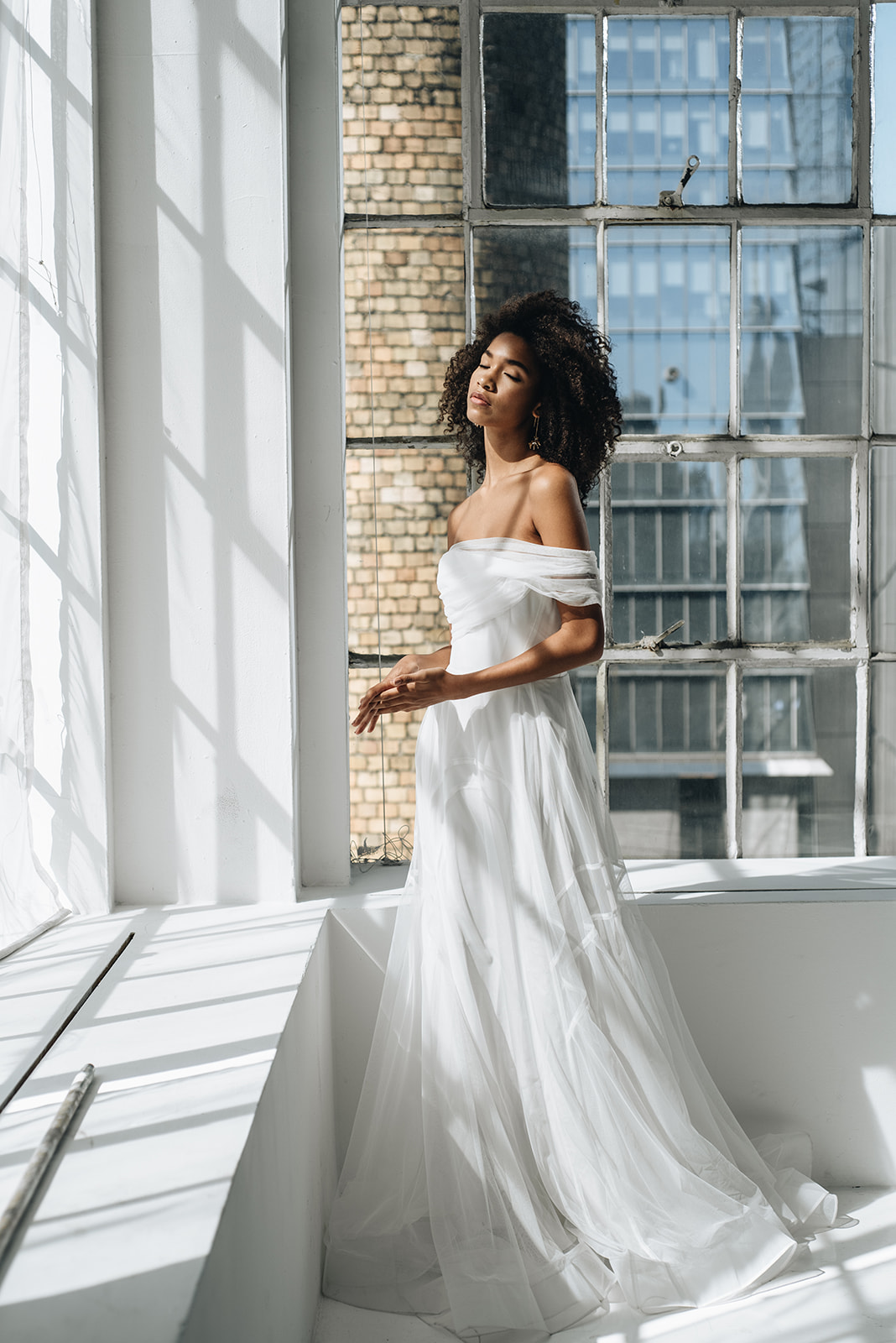 onefineday-editorial-georgiayoung-weddingdress