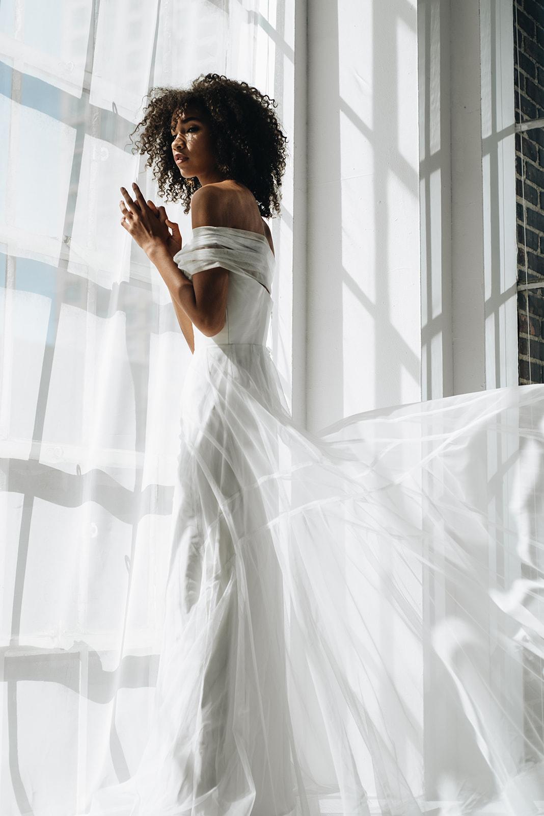 onefineday-editorial-georgiayoung-weddingdress