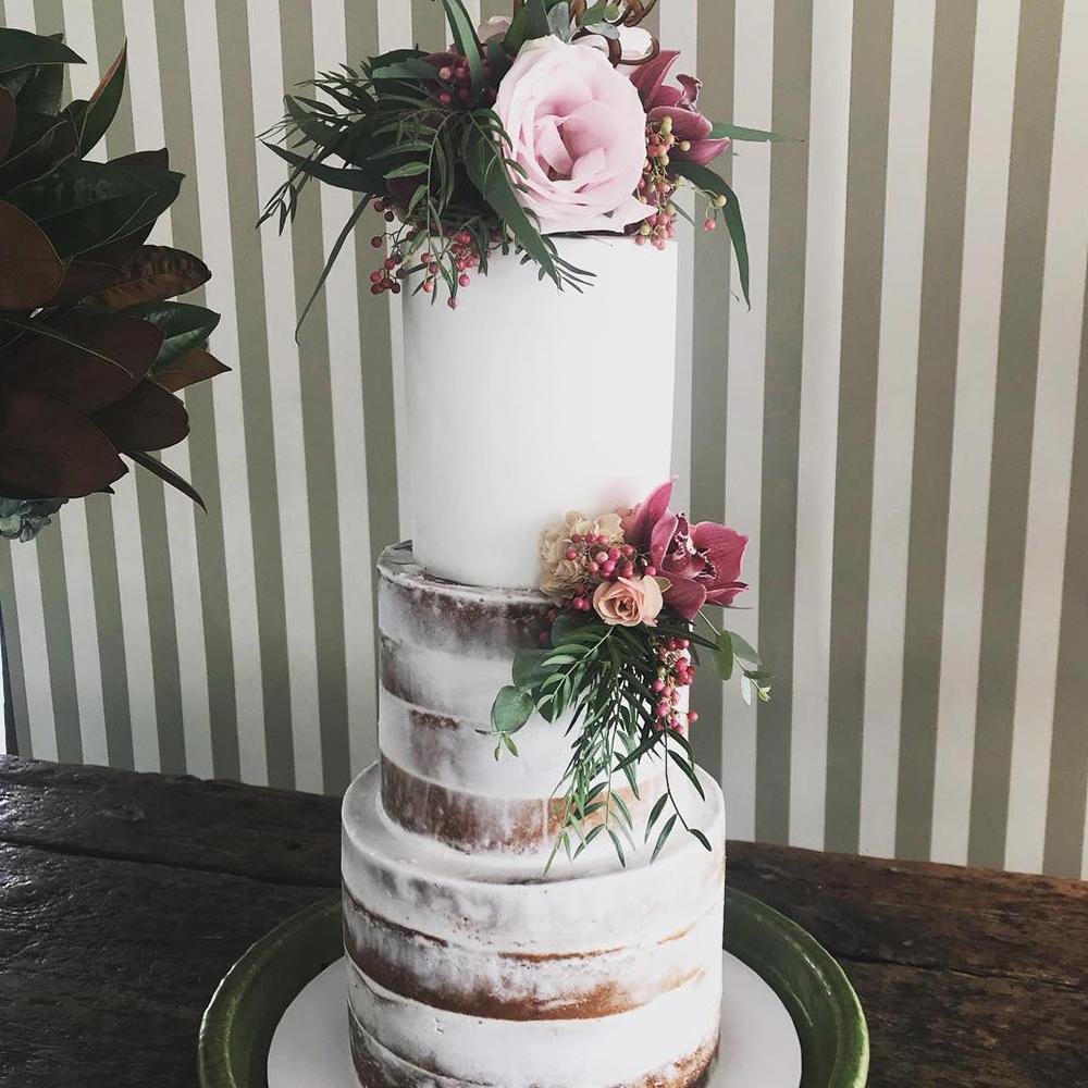 naked-cake-tall-australia