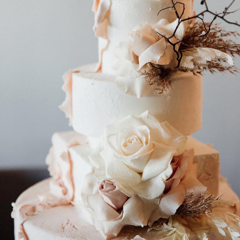 textured-wedding-cake-blush