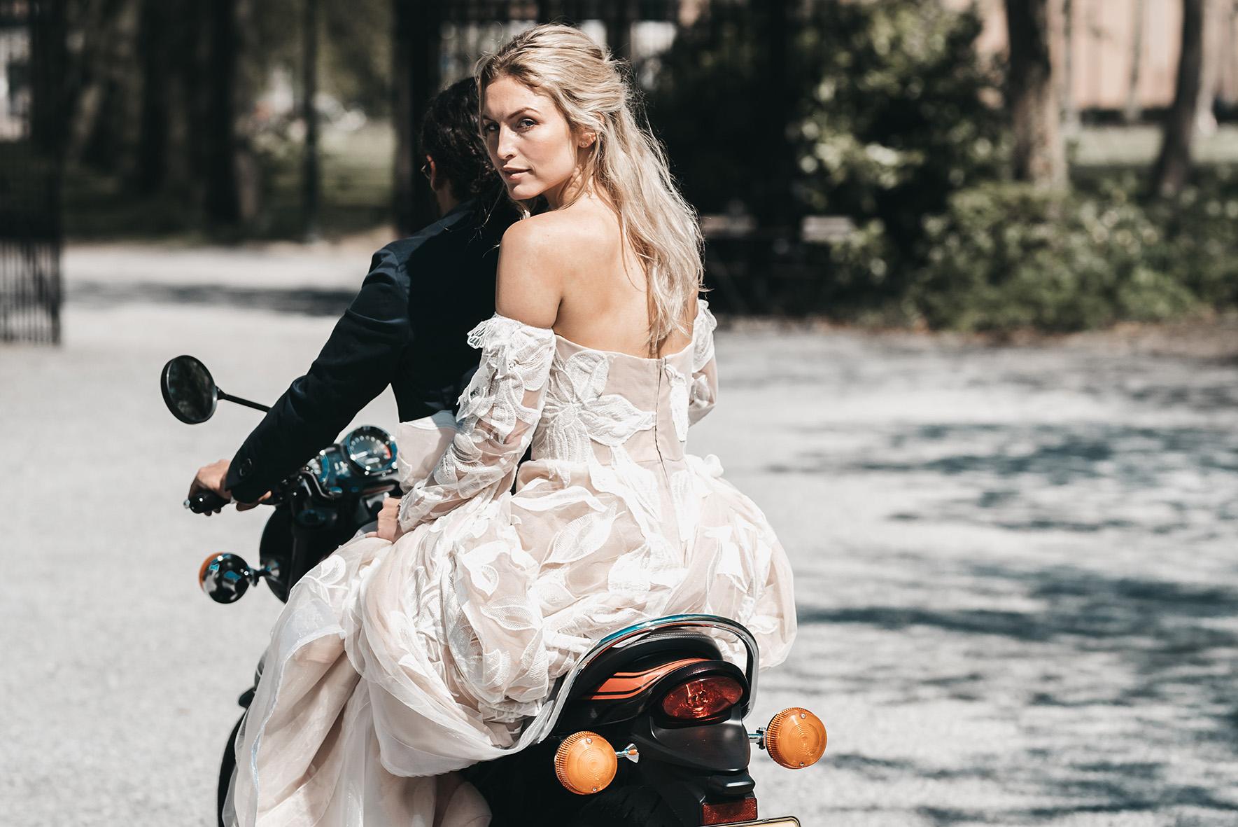 Atelier Edwin Oudshoorn NOMADS wedding dress