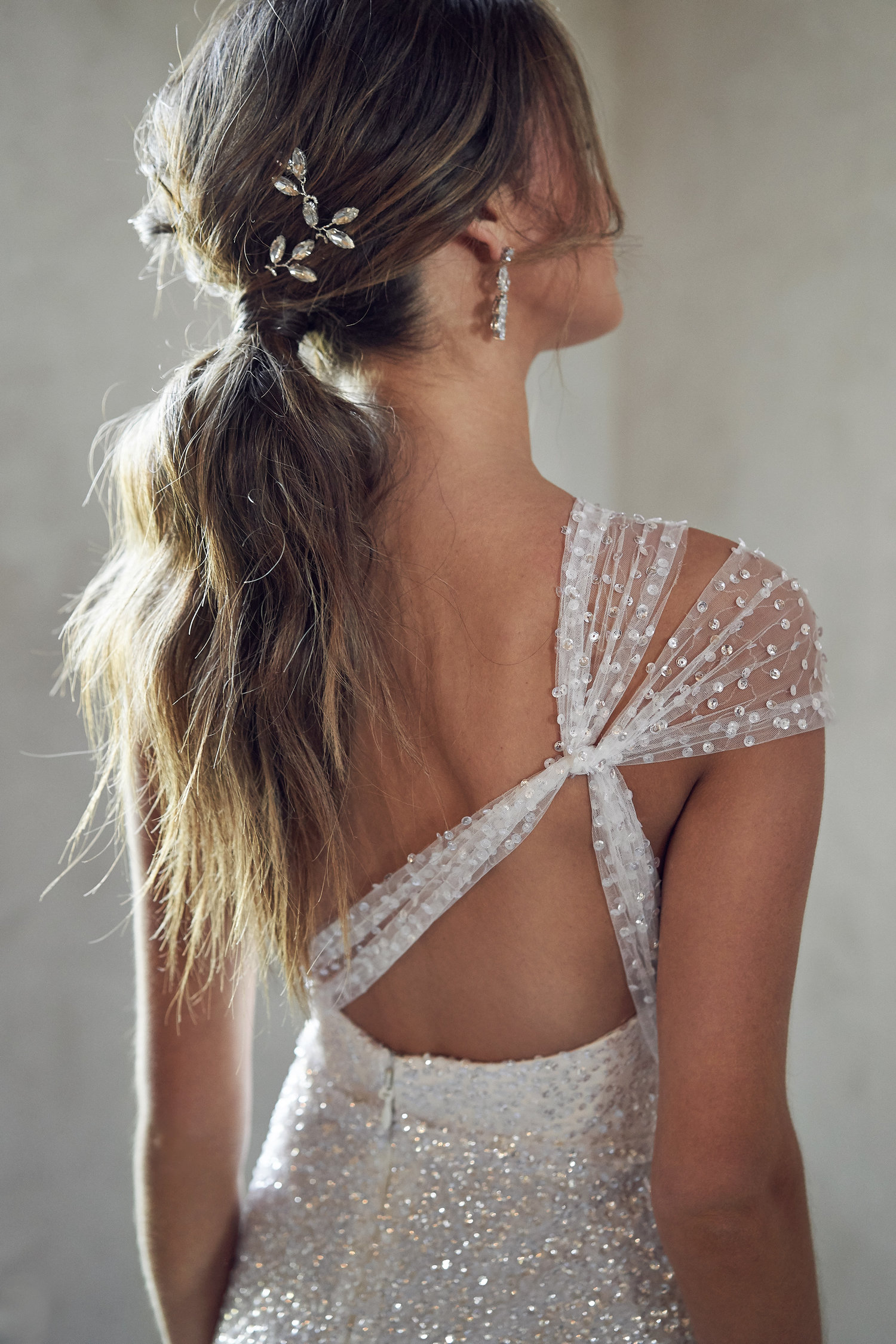 anna-campbell-embellished-wedding-dress