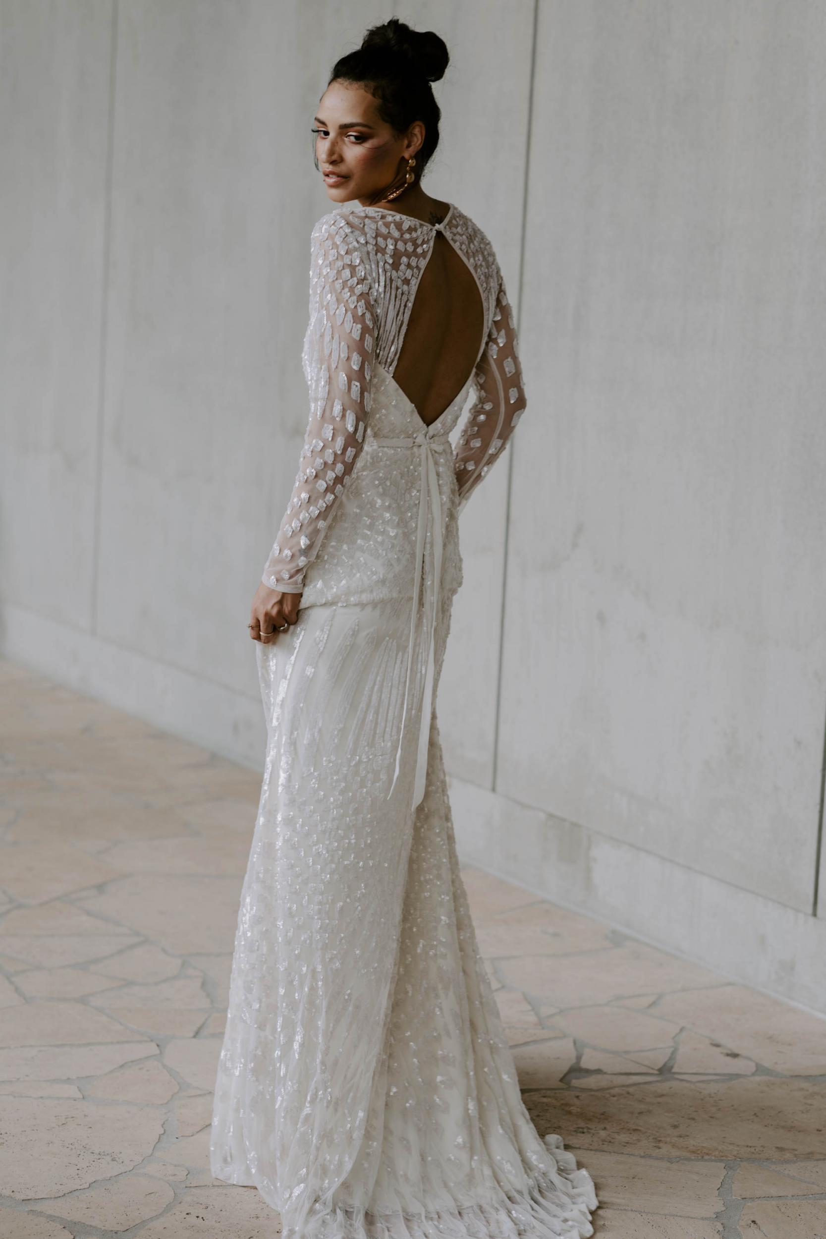 karen-willis-holmes-wedding-dress