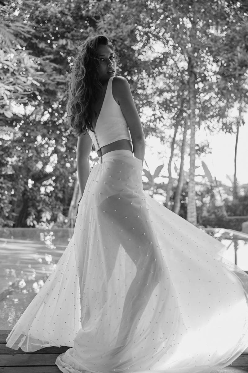 karen-willis-holmes-erin-lea-wedding-dress