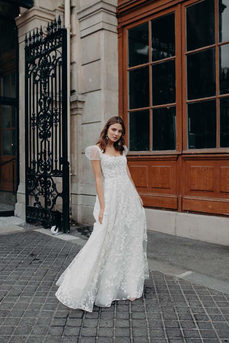 backless-wedding-dress