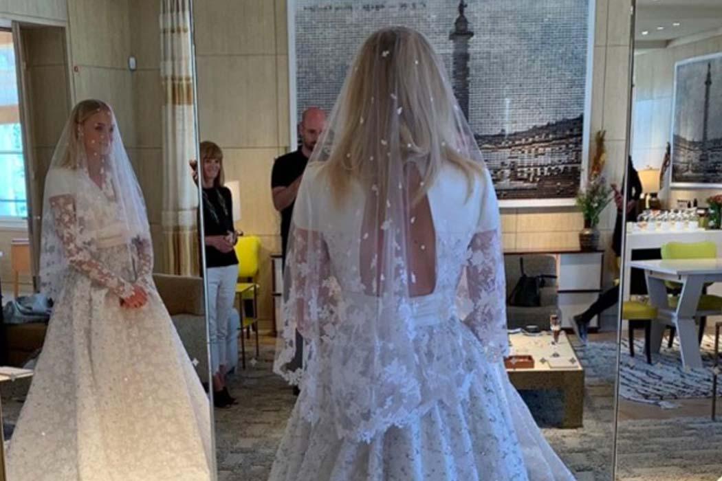 sophie turner wedding hair