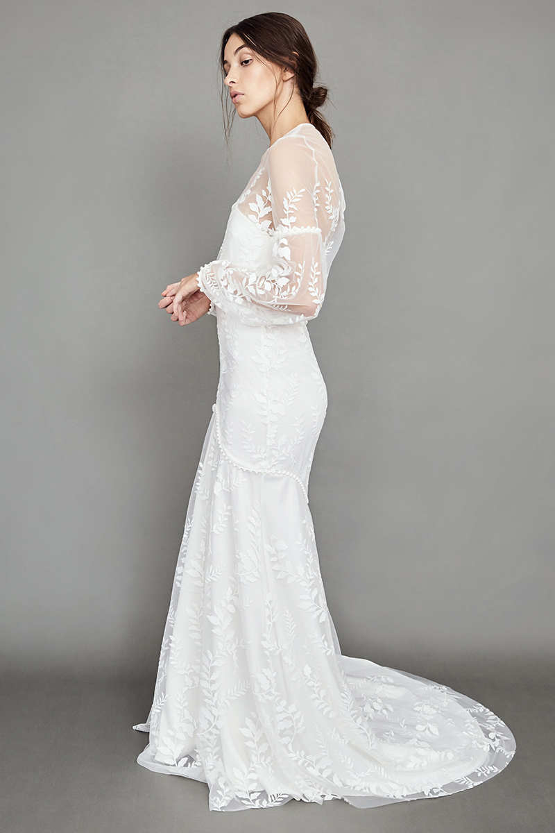 wedding-dress-big-boobs-busty-chest