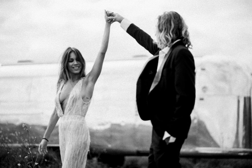 wedding-photographer-sydney-white-tree