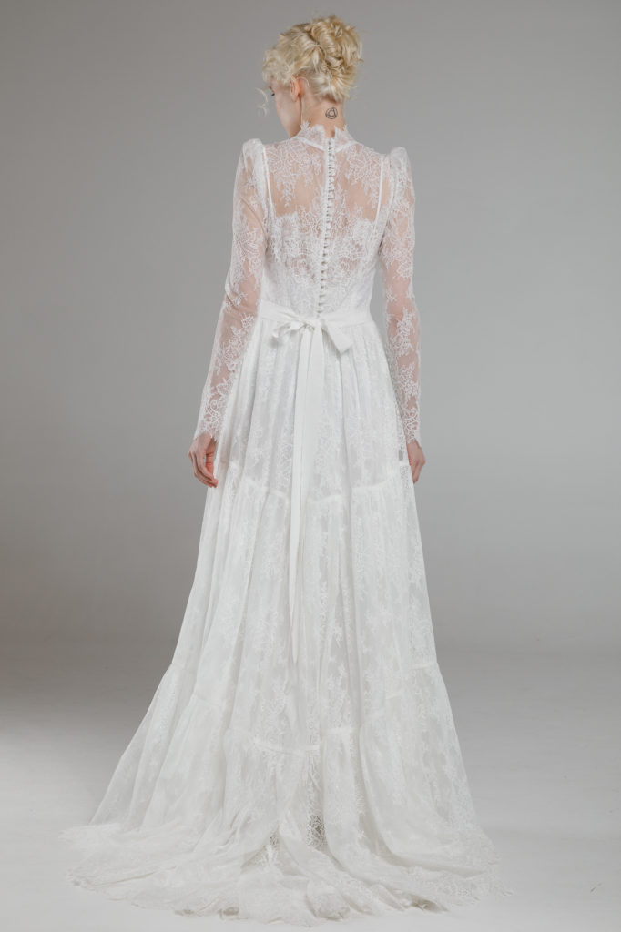 LONG-SLEEVE-WEDDING-DRESS